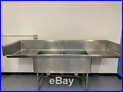 Commercial Kitchen Stainless Steel 2 Compartment Sink, with side and backsplash